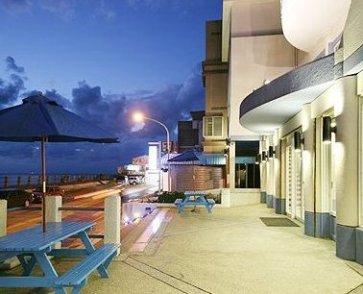 凯薪饭店←→绿岛码头或机场迎接及行李来回运送.